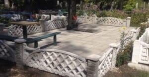 Оградка на могилу из бетона